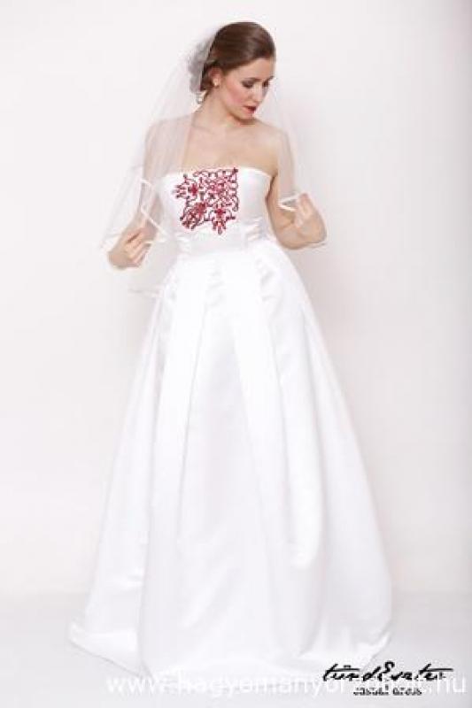 Menyasszonyi ruha - tündEszter 070067d6d8